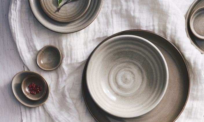 ... platters bowls and accessories. No two pieces of this Australian-designed porcelain will look exactly alike and the color intensity will vary from ... & Potter\u0027s Collection - Robert Gordon - Porcelain - Dinnerware
