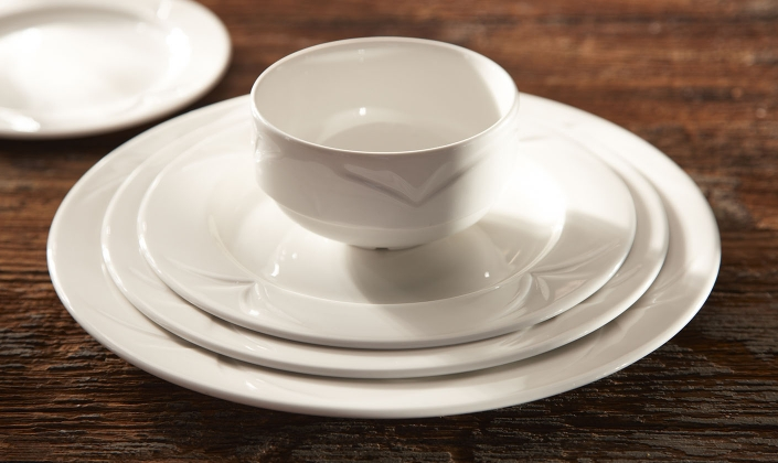 ... most discerning guest. Ultra-refined this range looks equally impressive in both white and when decorated. Choose from the ever appealing white ... & Bianco - Distinction - Steelite - Dinnerware